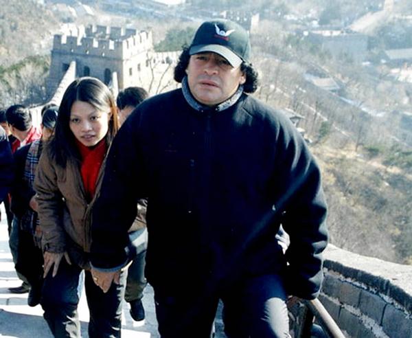 2003年11月22日 马拉多纳游览长城 新华社_副本.jpg