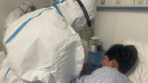 现场直击:中风险小区明天华城3孕妇生娃,周浦医院非常时期精心守护