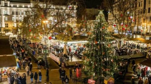 """想念布达佩斯圣诞集市吗?今年一起去""""云端""""逛逛吧"""