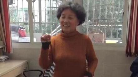 广场舞变身视频舞 宅家抗疫不寂寞