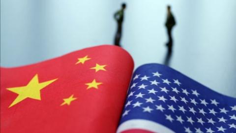 """外交部:坚决反对美将5家中国媒体定义为""""外国政府职能部门"""""""