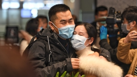 上海精神科专家启程奔赴武汉 关爱当地患者和医护心理健康