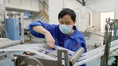 上海石化成功研发熔喷布专用料 可生产一次性医用口罩约600万片