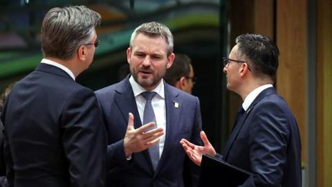 感染新冠肺炎?斯洛伐克总理:一派胡言!