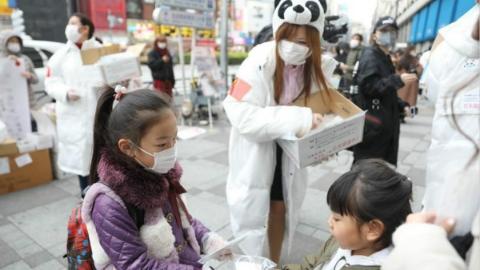 華僑華人出錢出力、商業包機接回公民……中國力量支援世界各國抗擊疫情