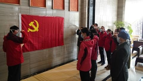 今天,又一批上海援鄂医疗队员光荣入党!