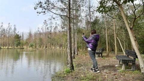 釣魚鍛煉身體、開著房車游玩,到松江郊野公園透透氣