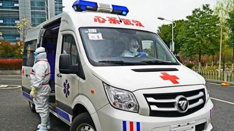 """在武汉的病人眼中,这支上海120车队驾驶的是""""生命方舟"""""""