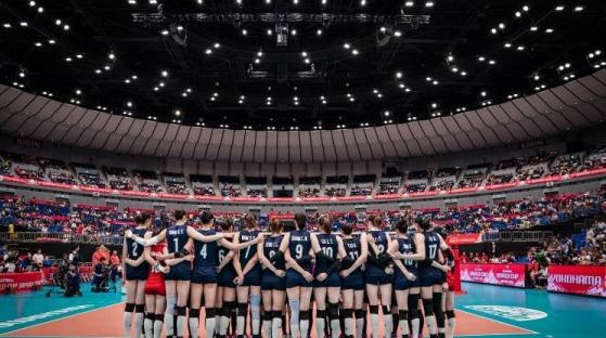 国际排球按下暂停键,中国女排下一场比赛就是直接打奥运!