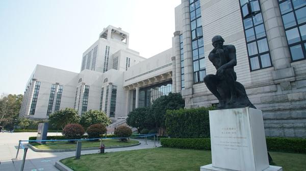 """今天起,随申码和预约码""""两码并一码"""",去上海图书馆更方便啦!"""