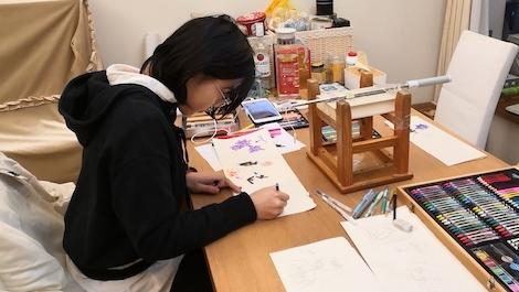 上海13岁女孩自制英语手绘视频 为外国友人科普疫情