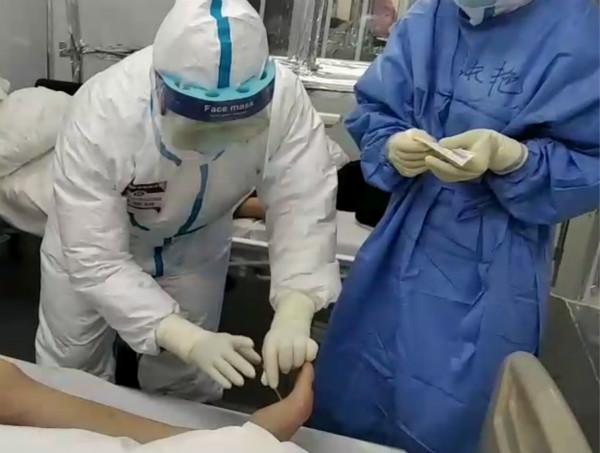 針刺治療在雷神山醫院這個病區全覆蓋 患者主動宣傳海派中醫魅力