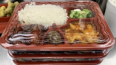 """阿拉吃到糖醋排骨、红烧肉了!南加州华人社团""""关爱群""""让上海留美学生安心"""