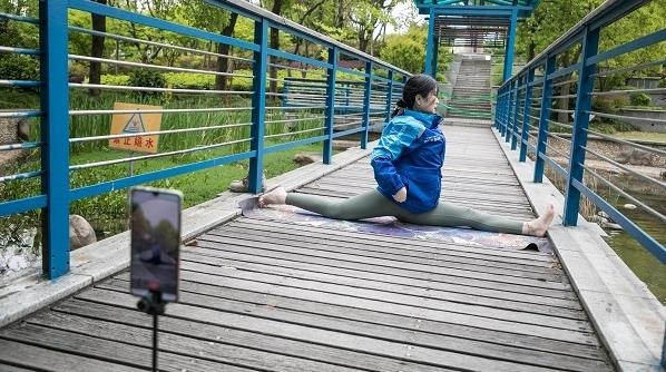 """饿了么外卖骑士升级为""""蓝骑士"""" 上海骑手58%都有隐藏技能"""