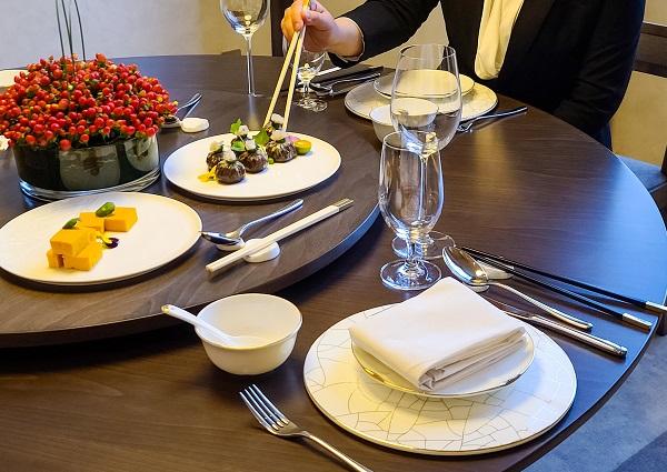 """打好""""舌尖上的防疫战"""" 分餐制有了""""上海标准"""""""