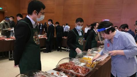 """上海地产番茄黄瓜谁最灵?44家企业合作社""""打擂台"""""""