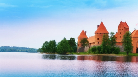 """提振疫情对经济的冲击 波罗的海三国开放欧盟首个""""旅行圈"""""""