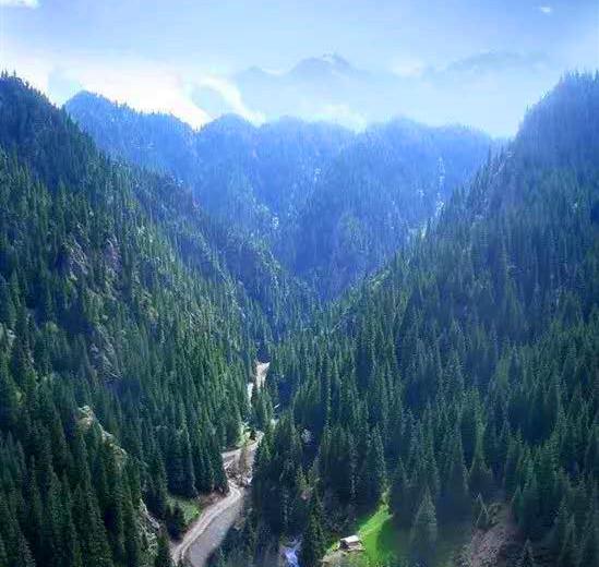 天山大峡谷.jpg