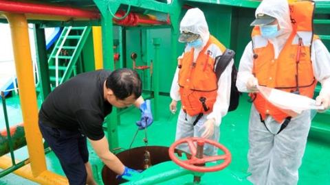 上海海警局查获涉嫌走私油900吨  案值高达500万元