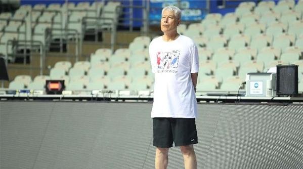 80岁仍活跃在一线,这位低调的中国篮球功勋老帅终于要歇一歇了