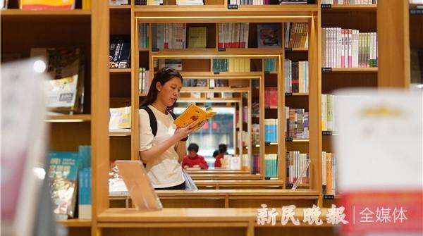 明天起,书香溢申城,何处不悦读?美好生活,从阅读开始