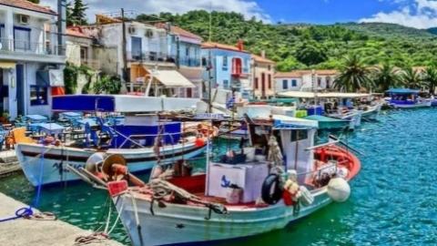 """惹众怒!希腊圣托里尼岛等度假岛屿被列为""""风险区""""遭强烈反对"""