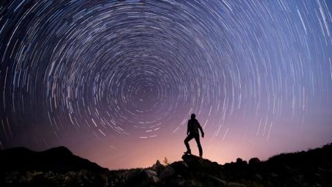 边看边聊 我们以一生造银河