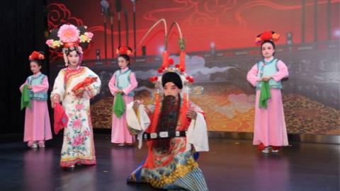 """北站""""国潮""""戏曲文化节举行,鼓励年轻群体走近戏曲、喜欢戏曲"""