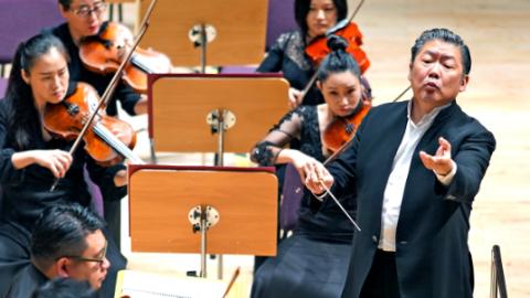 余隆执棒上交2019-20音乐季闭幕音乐会:同呼吸,感受艺术直抵人心的力量