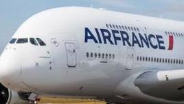 法航A380举行告别飞行 比原计划提前两年