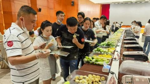 白美人、黑珍珠、雪甜……上海地产玉米原来有那么多花头!
