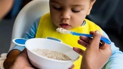 """""""光盘行动""""""""果汁早餐""""都在让孩子们走向肥胖"""