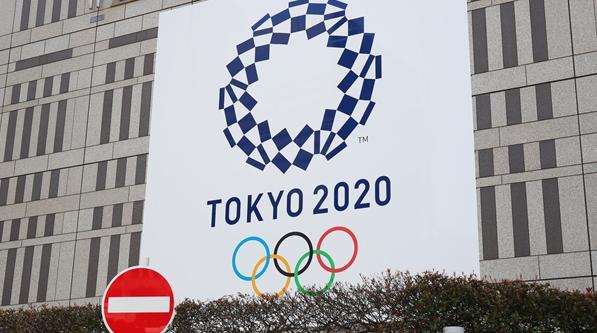 """在蹒跚中前行,""""搁浅""""的东京奥运会究竟何去何从?"""