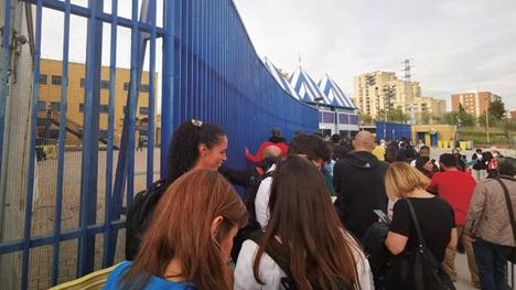 西班牙媒体曝黑幕:移民局一个预约要价500欧元