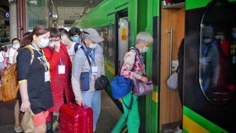 今早,上海开往兰溪!跨省团队游重启后全国首趟动车旅游专列出发了