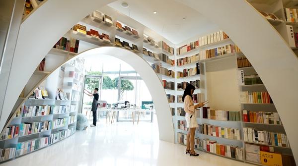 2020上海书展实体票10时开售,你买到了吗?不妨再看看这些分会场→