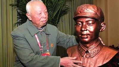 雷锋牺牲58周年,生前连长虞仁昌忆当年:难忘雷锋春天般的灿烂笑脸……