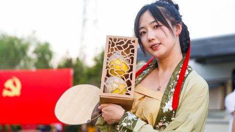 直播选秀 桃树认领 没想到枫泾的黄桃也能跨界圈粉