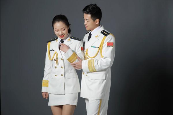 海军编队中征集爱情故事 为护航推迟婚礼不是个例