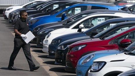 英国汽车月均产量仅为6.6万辆 同比下滑近四成