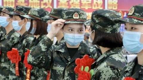 今年度征集的新兵奔赴部队服役 上海圆满完成征兵任务