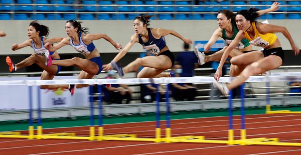 女子100米跨栏-新华社downLoad-20200916102115_副本.jpg