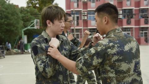 """上海警备区这样开展国防教育活动:""""UP主""""助力部队""""圈粉"""""""