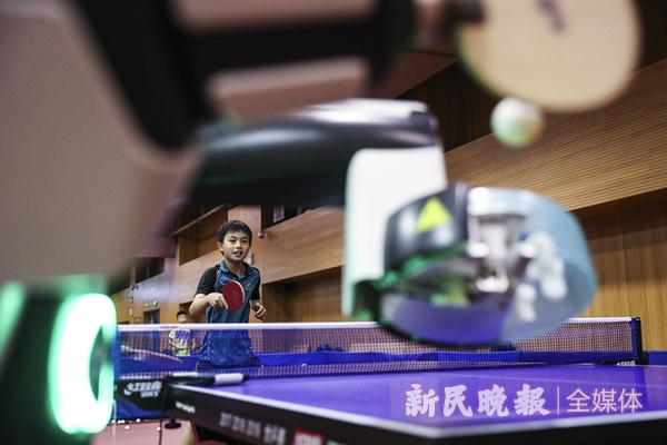 庞伯特多球训练机器人2-李铭珅.jpg