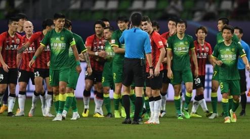 """从一位红绿色弱球迷看上港与国安比赛的""""痛苦""""说起……"""