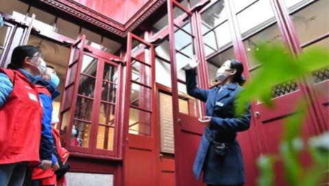 建党百年:第一天、第一名|新年首日,那些第一个跨进红馆的参观者们,说了些什么
