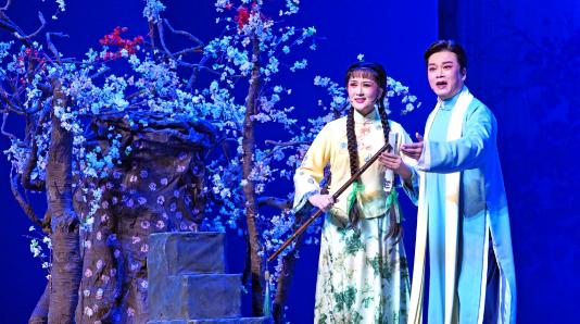 """""""王子""""回《家》——赵志刚说:上海越剧院是永远的""""家"""""""
