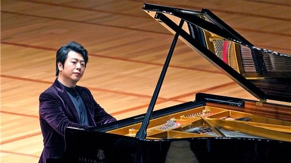 返场以《梦幻曲》致敬傅聪,郎朗音乐会宣布五月将在上海开钢琴学校