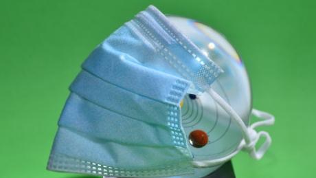 德国政府承诺的免费口罩成了水中月镜中花