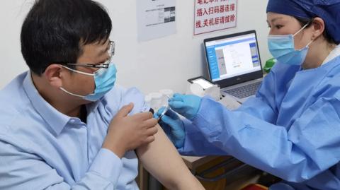 上海1.4万名出租车司机接种新冠疫苗
